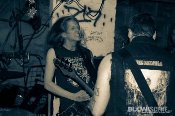 plague-dogs-band-8