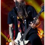 Five-Finger-Death-Punch-Mayhem-Fest-2013-band-0325