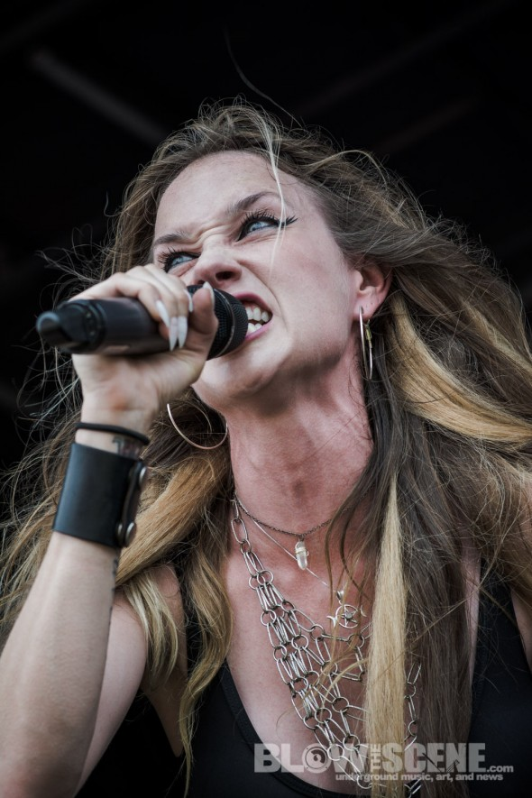Huntress-Mayhem-Fest-2013-band-039