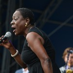 sharon-jones-dapkings-13