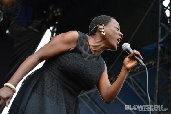 sharon-jones-dapkings-8