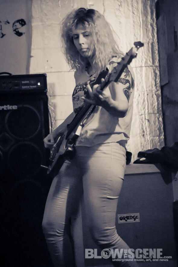Latex-band-008