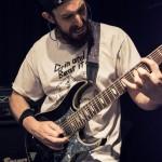 Die Choking-band-002