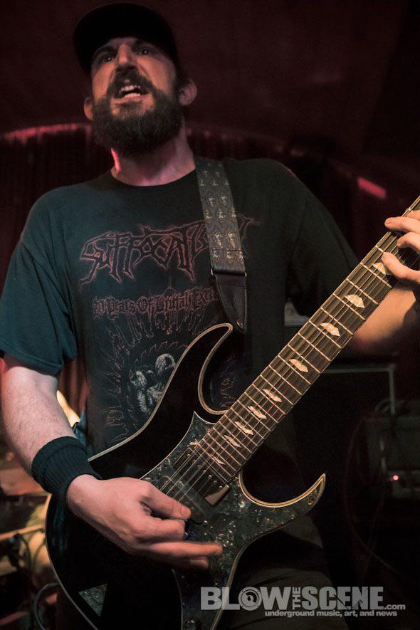 die-choking-band-0020